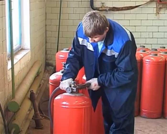 Как заменить бытовой газовый баллон