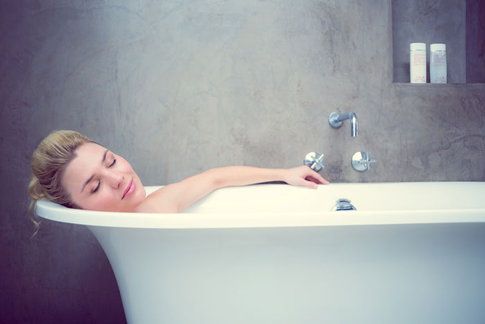 Как правильно вышел из ванны или вышел из ванной