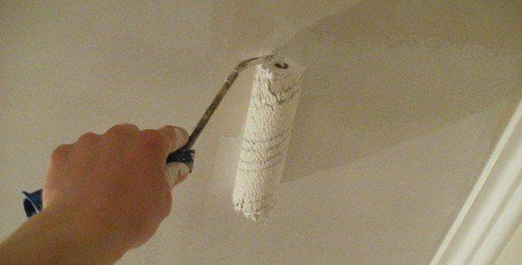 грунтовка потолка валиком