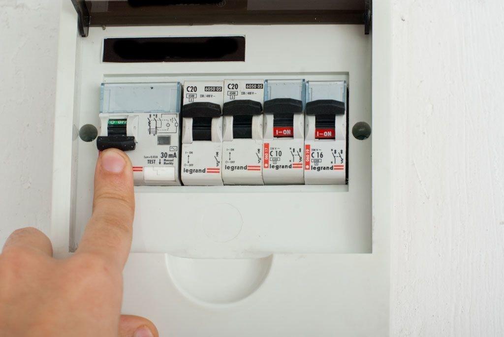 отключаем электричество