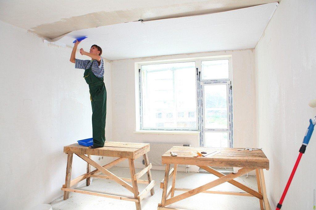 чистовая отделка потолка