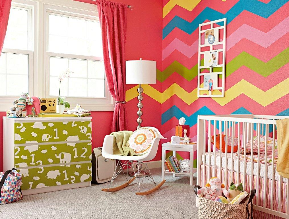 Как покрасить стены в детской комнате в разные цвета