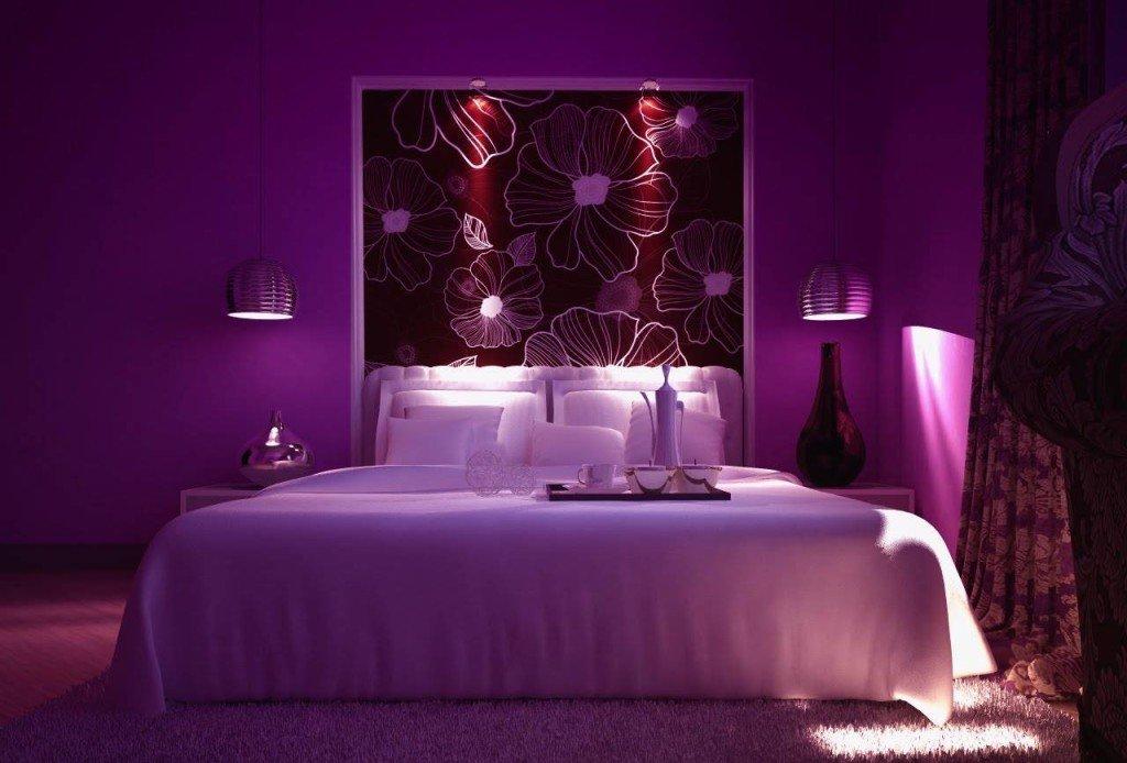 пурпурный интерьер спальни
