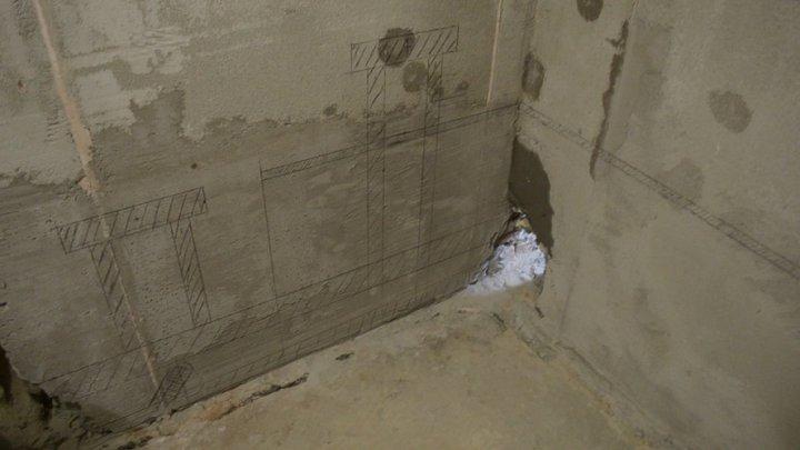 разметка под трубы на стене