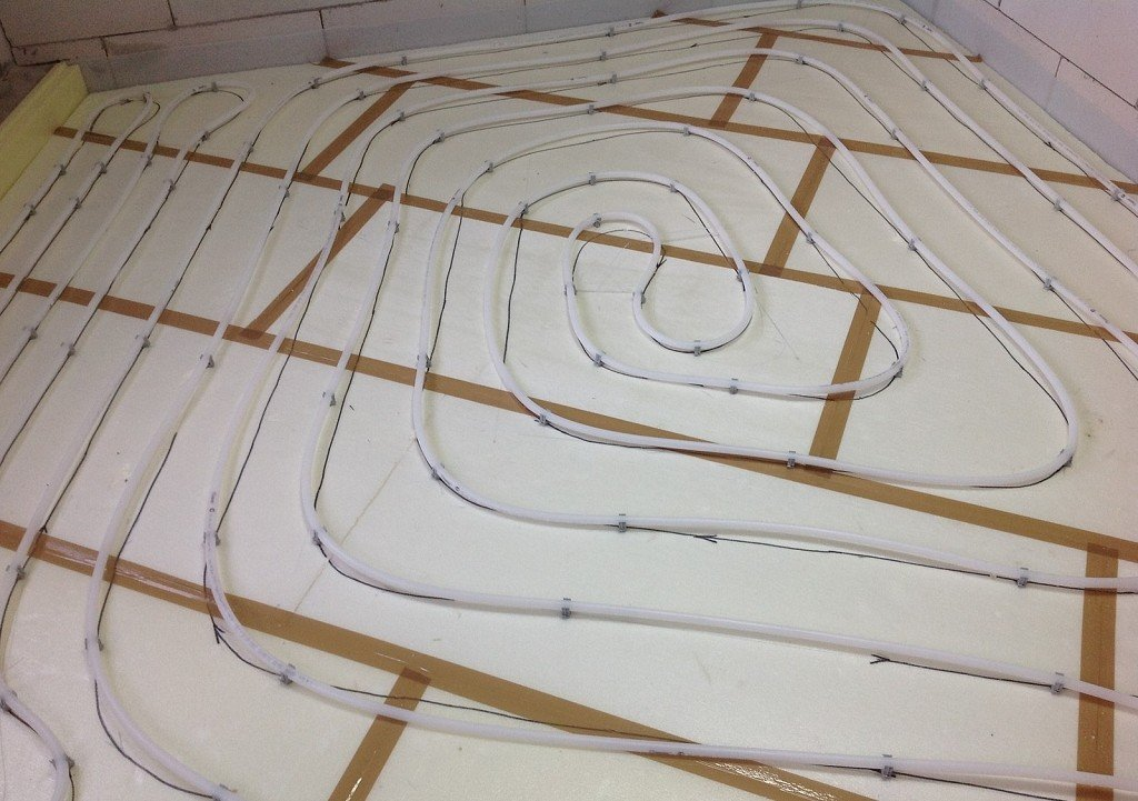 укладка системы теплый пол на пенопласт перед стяжкой