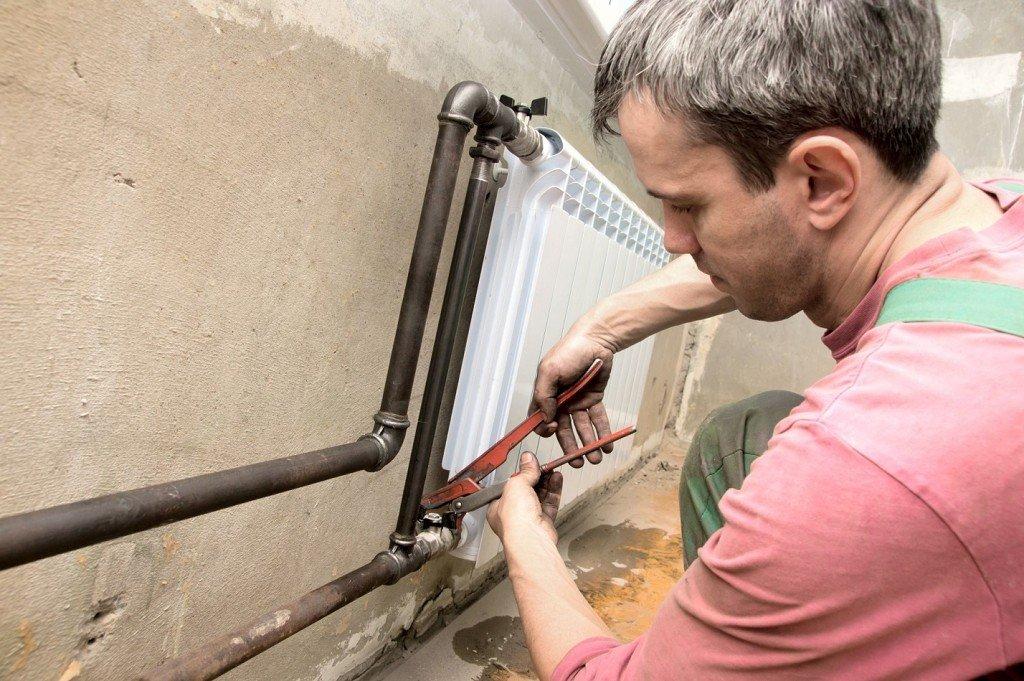 Замена протекающего радиатора