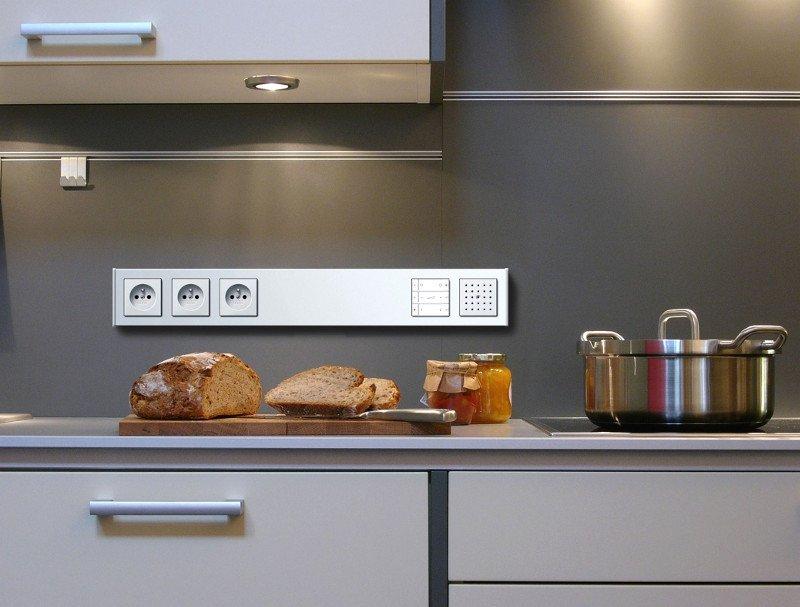 розетки в кухонной рабочей зоне