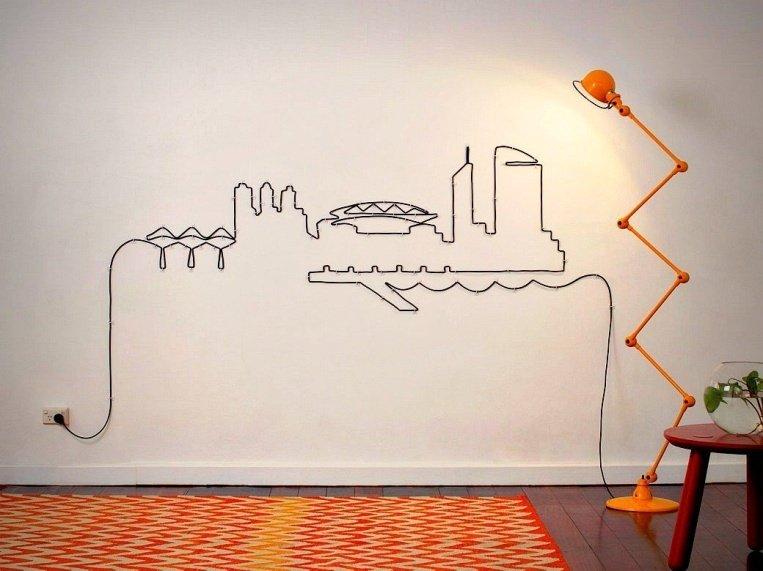 декор из проводов на стене