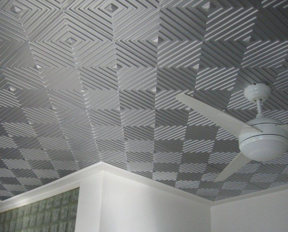потолок отделанный плиткой