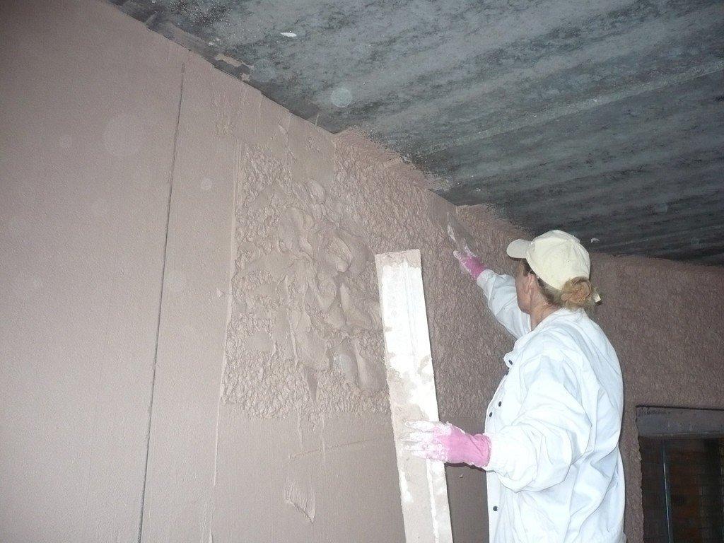 процесс улучшенной штукатурки стен