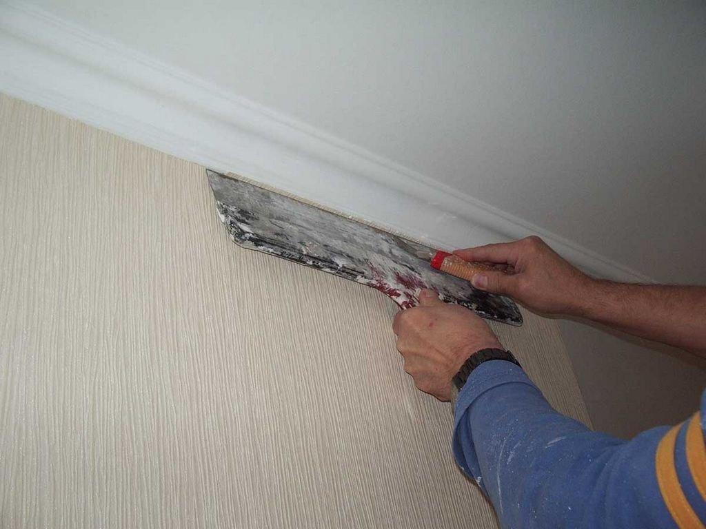 бордюр на стыке стен и потолка
