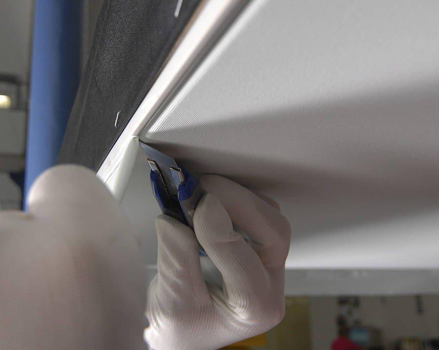 Монтаж и подрезка тканевого полотна