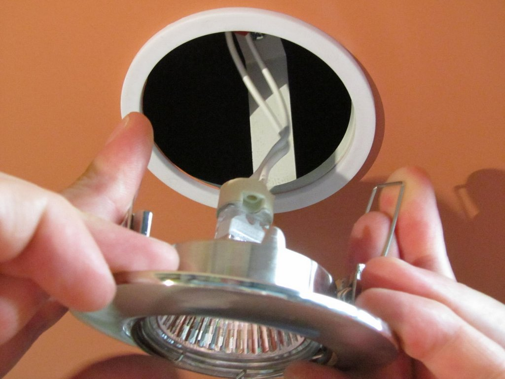 Замена термокольца и лампочки в светильнике