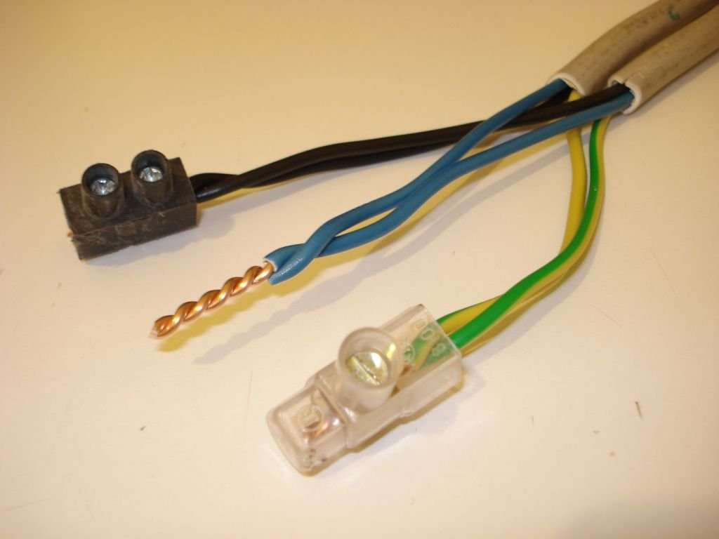 Соединение проводов болтовыми клеммниками