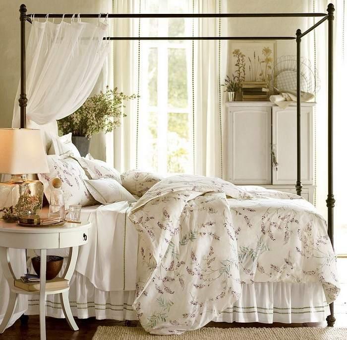 Спальня в стиле прованс: кровать с балдахином