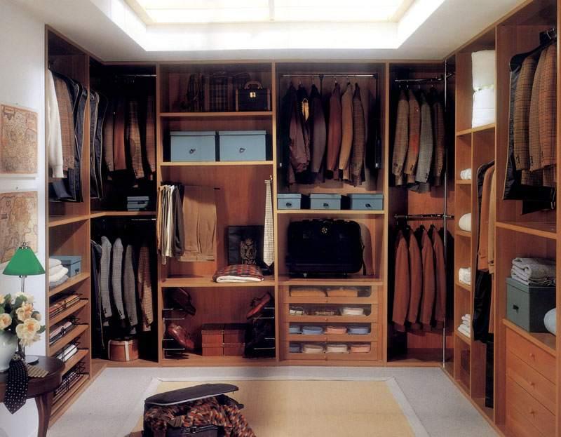 Отдельная комната-гардероб