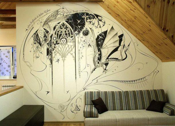 Удачно вписанный в пространство стены графический рисунок