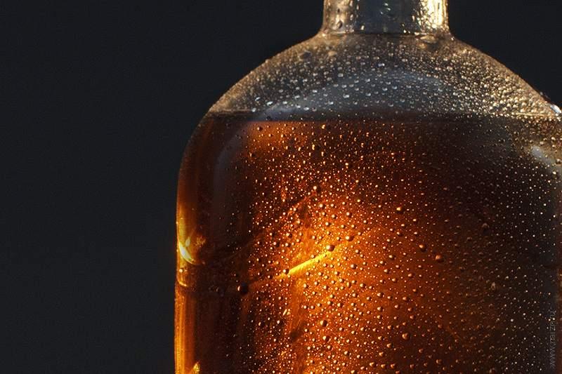 Конденсат на холодной бутылке