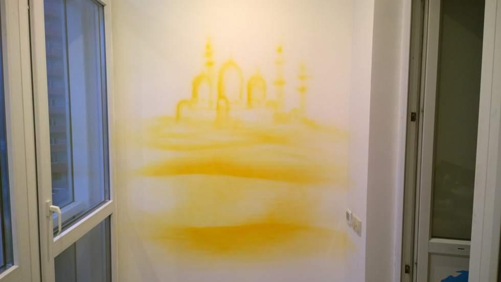 Набросок изображения на стене