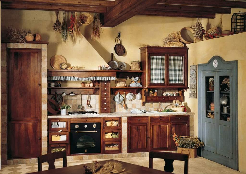 Натуральная отделка кухни в стиле кантри