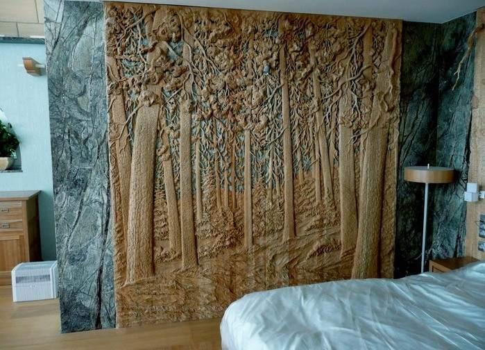 Украшение стены деревом