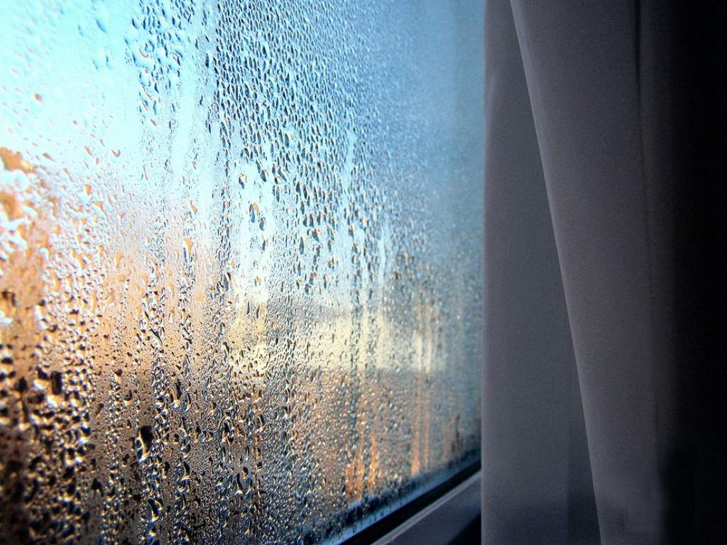 Почему окна плачут