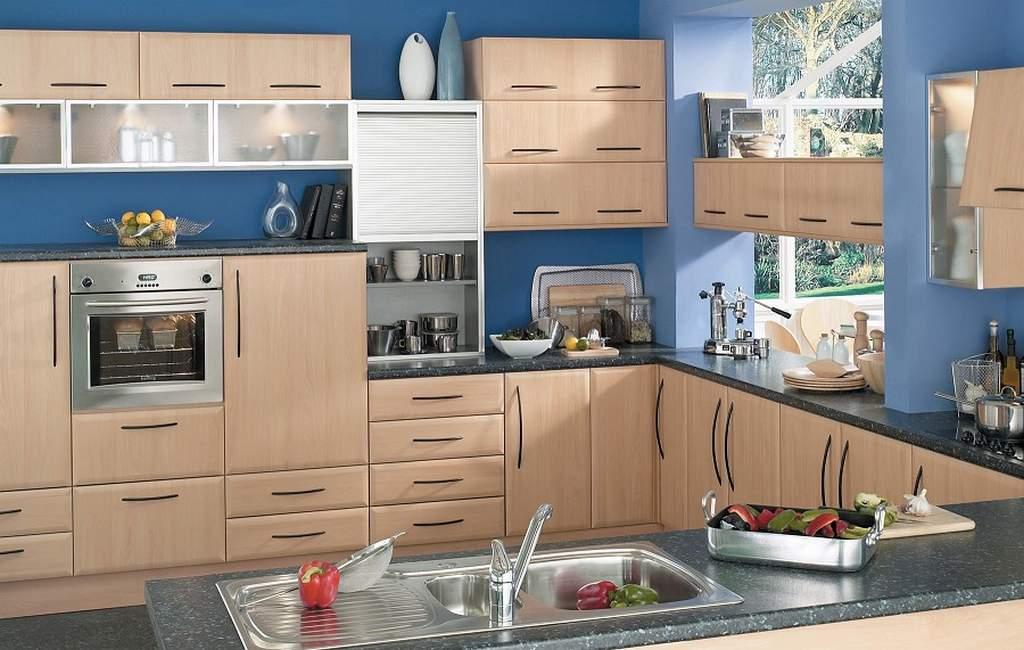 Синие стены в кухне