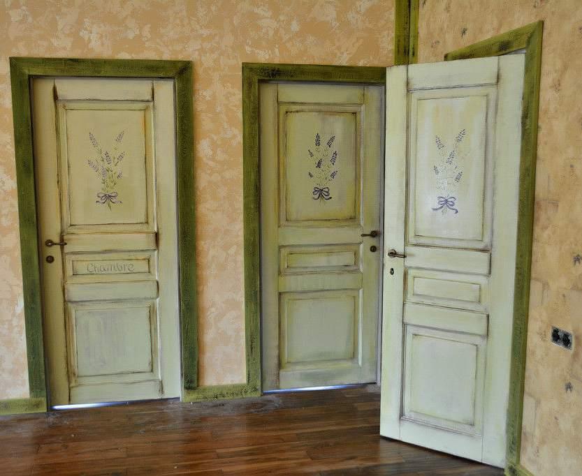 Сочетание росписи и окраски с эффектом состаривания