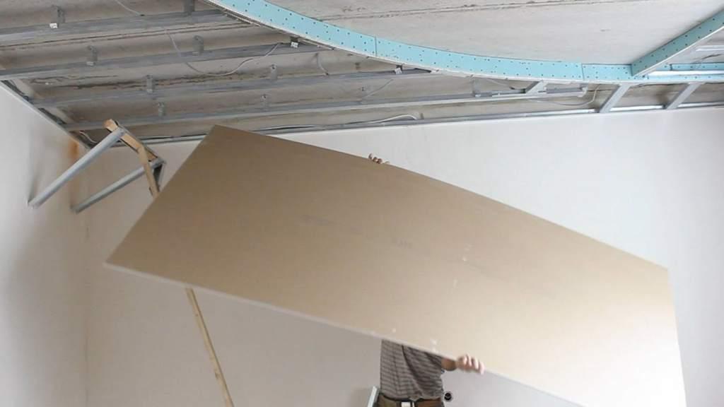 Трудности монтажа гипсокартона на потолке