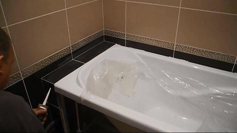 установка ванны на кафель
