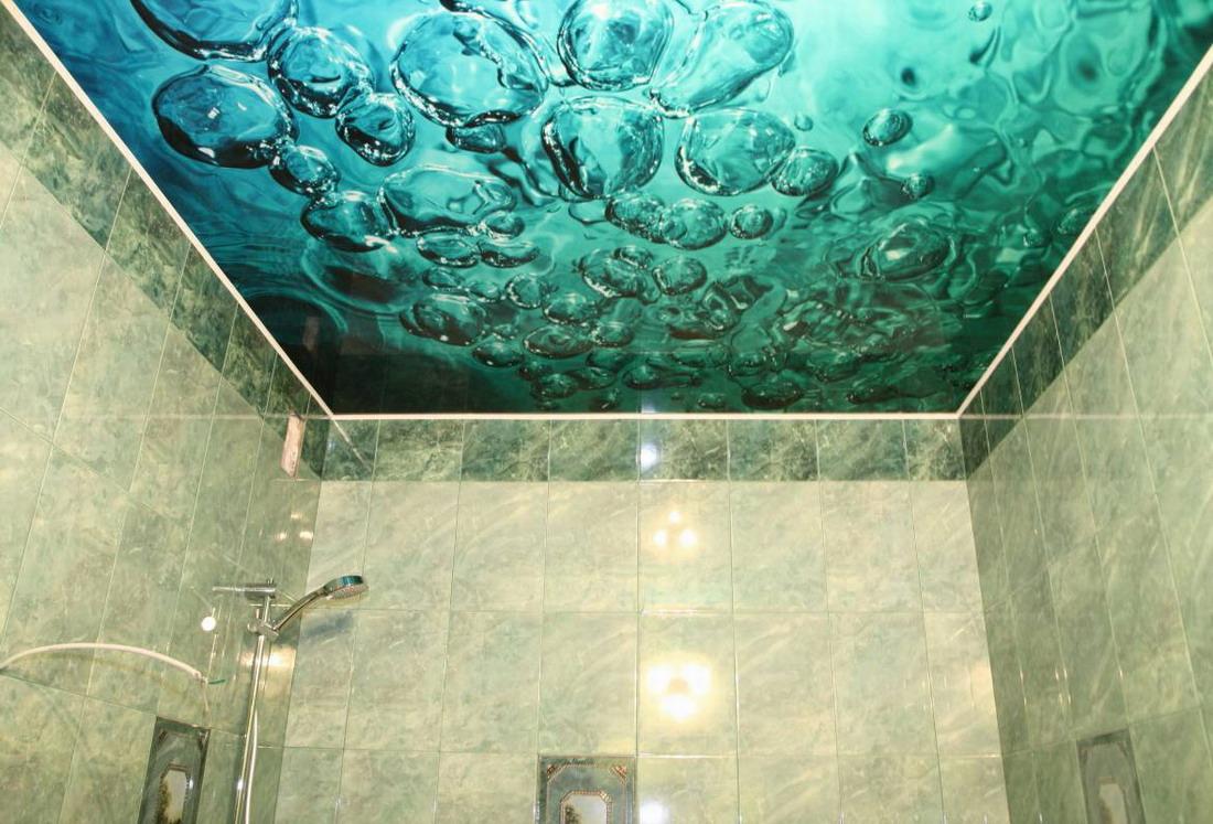 Потолок в ванной с фотопечатью