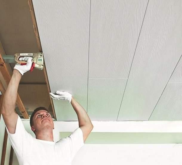 Обшиваем потолок панелями МДФ