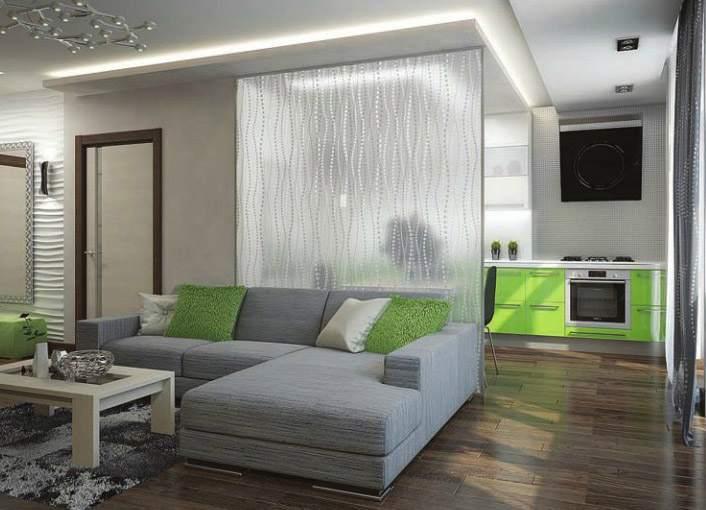 Стационарная стеклянная перегородка в квартире