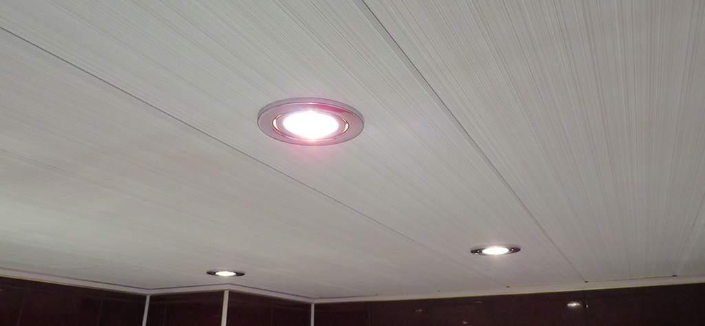 Светильники на потолке из МДФ