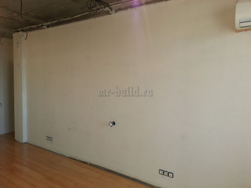 Зачищенная стена под фотообои