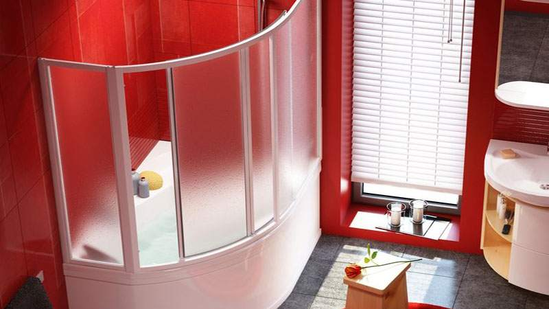 Поликарбонатная перегородка для угловой ванны