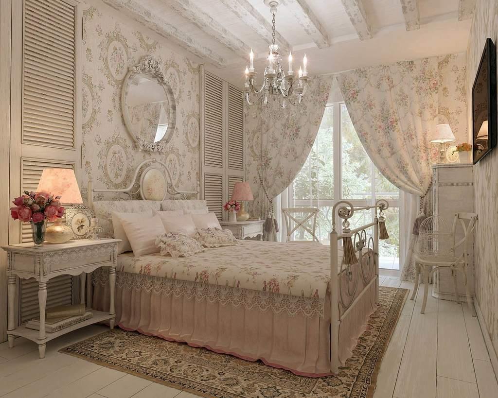 Потолок с балками в спальне