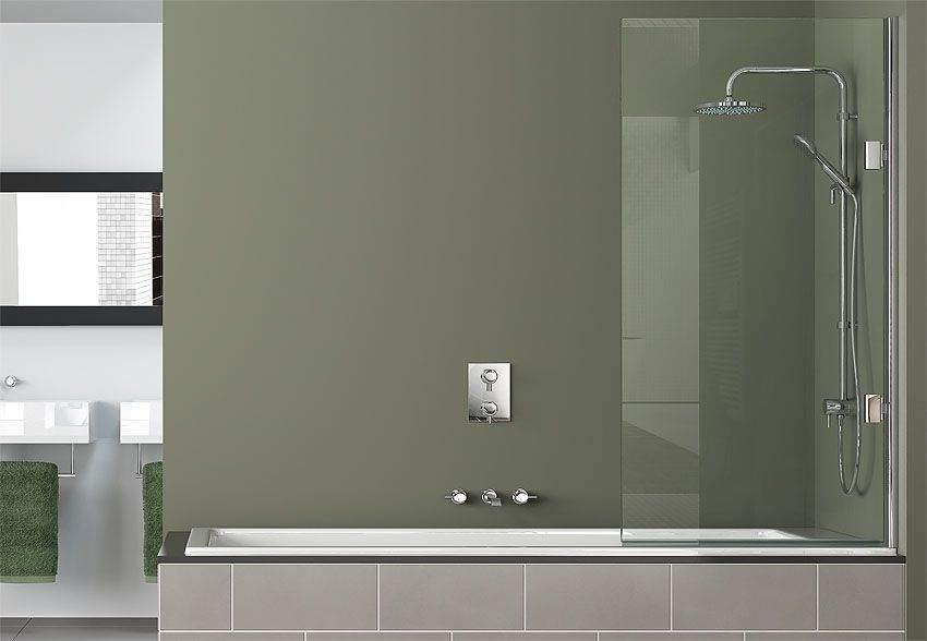 Закаленное стекло надежно защищает от брызг и имеет изысканный вид