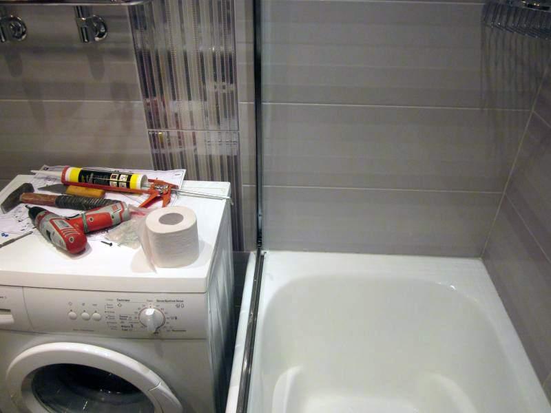 Перегородку в ванной вполне возможно установить самостоятельно