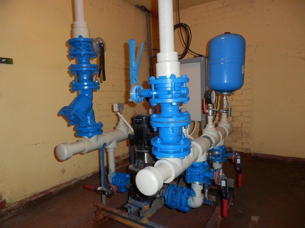 Стояк холодного водоснабжения многоквартирного дома