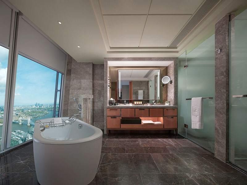 Ванная комната: простые формы только подчеркивают эксклюзивность интерьера