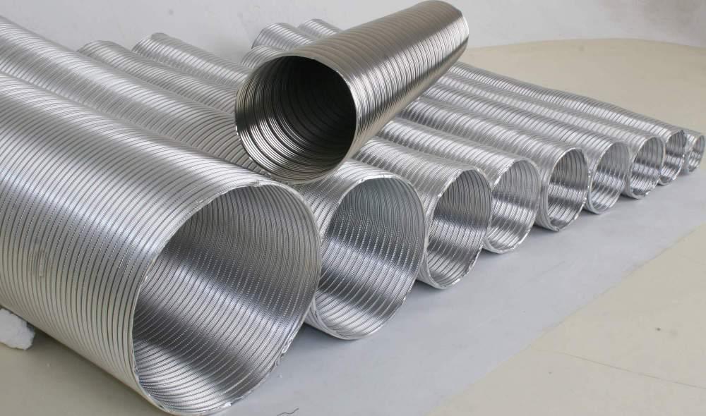 Гофрированная вытяжная труба: удобна в использовании и проста в монтаже