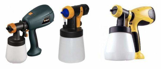 Для нанесения грунта на большие площади можно использовать пульверизатор