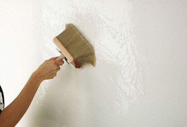 Грунтовка поверхностей перед поклейкой обоев - необходимый этап ремонта