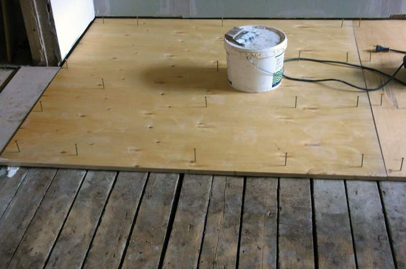 Готовим деревянный пол к новому покрытию
