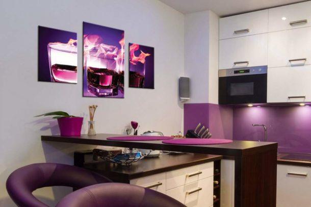 Модульная картина,перекликающаяся по цвету с предметами интерьера