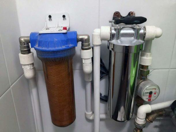 Магистральный очистительный прибор рассчитан на фильтрацию всей воды, поступающей в квартиру