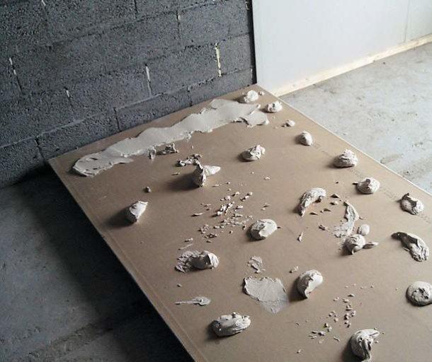 Отделываем стены ГКЛ клеевым методом без сооружения каркаса из профиля