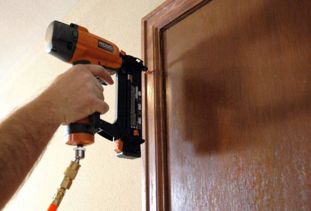 Ремонт дверей может иметь разную степень сложности
