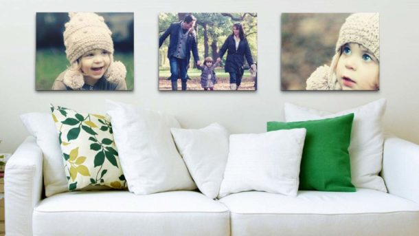 Три симметрично расположенных фотографии одинакового размера